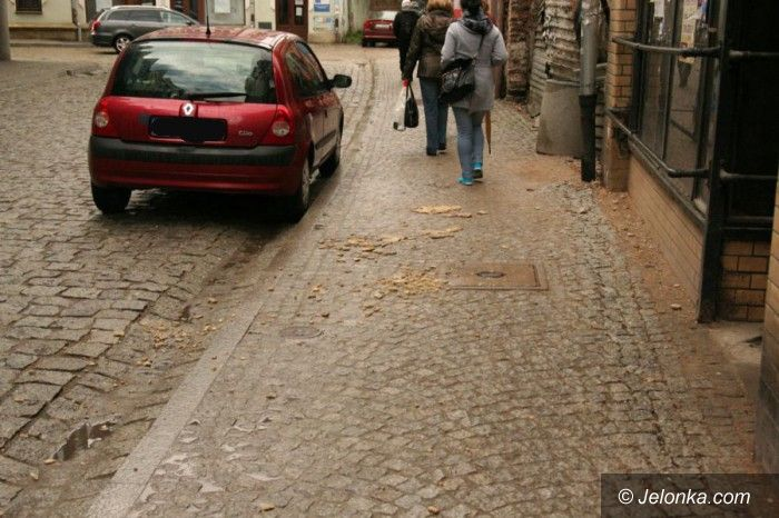 Jelenia Góra: Kamienica nadal niezabezpieczona (aktualizacja)