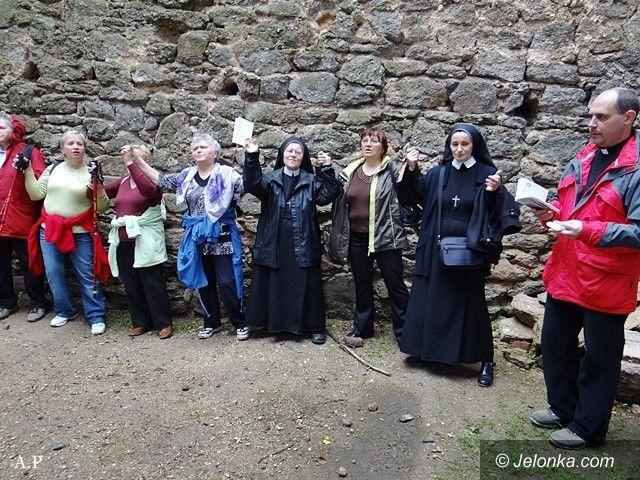 Jelenia Góra: Uczcili kanonizację Jana Pawła II pielgrzymką na Chojnik