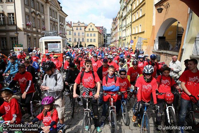 Jelenia  Góra: Rowerzyści opanowali Jelenią Górę