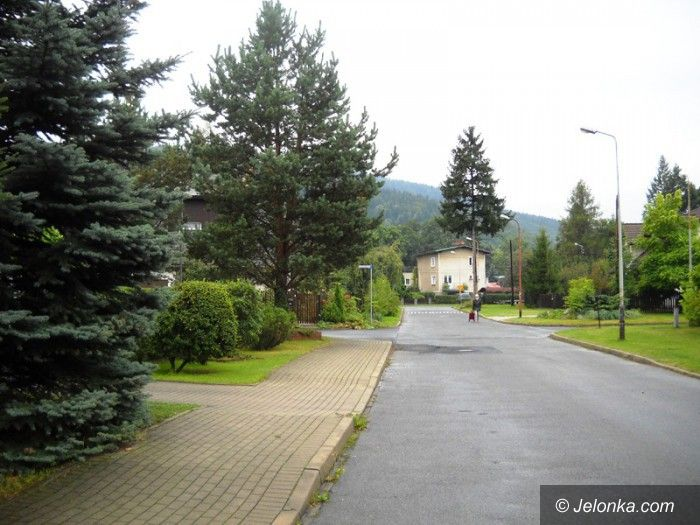 Jelenia Góra: Ulica Świerkowa będzie miała drugi chodnik