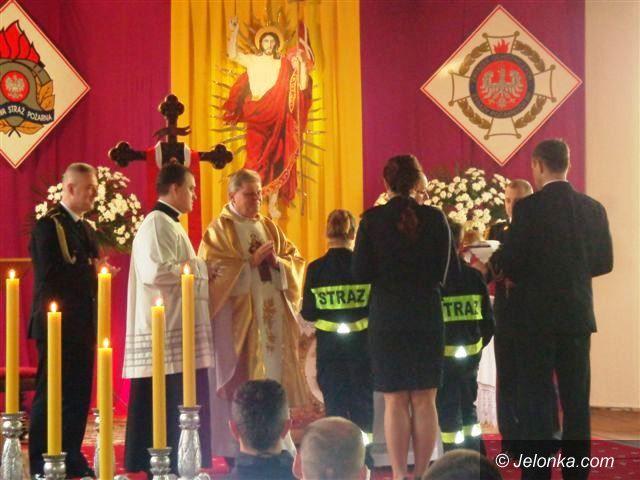 Jelenia Góra/Region: Uroczysta msza z okazji święta strażaków