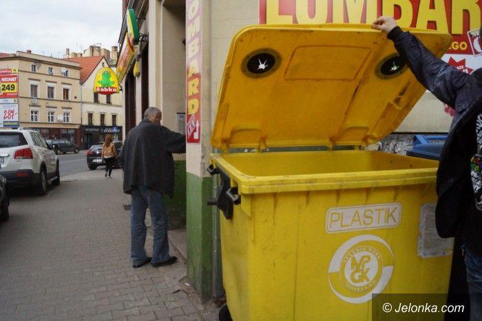 Jelenia Góra: Obsługa pojemników na plastik (nie)skomplikowana
