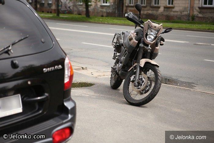 Jelenia Góra: Wypadek z udziałem motocyklisty