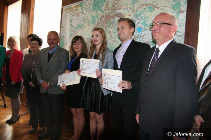 Jelenia Góra: Laureaci nagrodzeni przez prezydenta