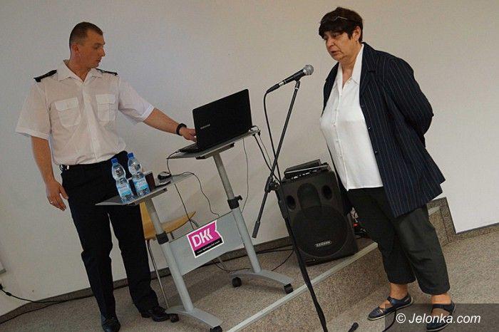 Jelenia Góra: Rozmawiali o bezpieczeństwie dzieci  w szkołach
