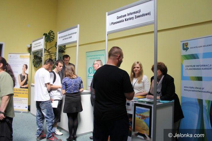 Jelenia Góra: W poszukiwaniu zatrudnienia  na targach pracy