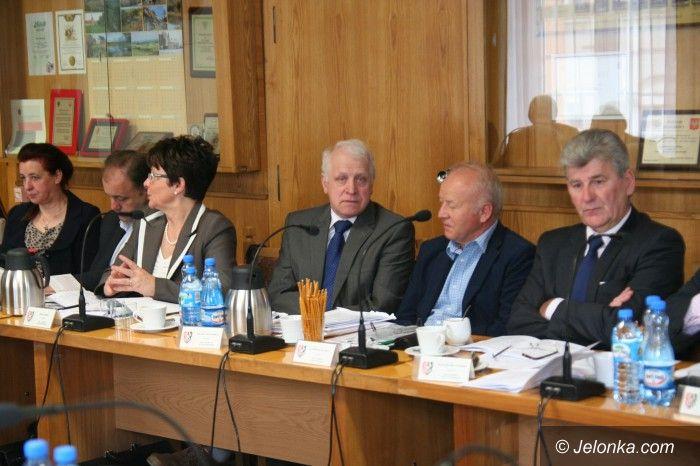 Powiat: Absolutorium dla Rady Powiatu