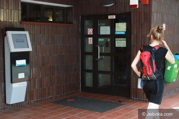Jelenia Góra: Czytelnicy: biblioteka zamyka księgozbiór na całe wakacje
