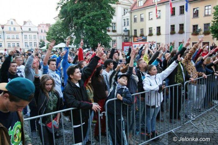 Jelenia Góra: Młodzież zachwycona występem raperów