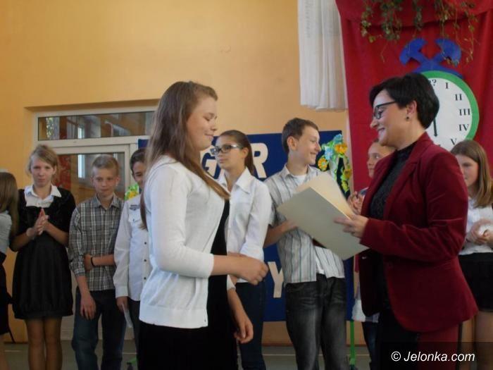 Jelenia Góra: Pożegnanie szóstoklasistów w SP 7