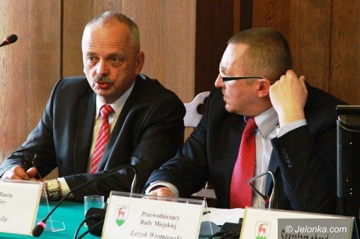 Jelenia Góra: Nie ma  absolutorium dla prezydenta Jeleniej Góry (aktualizacja)