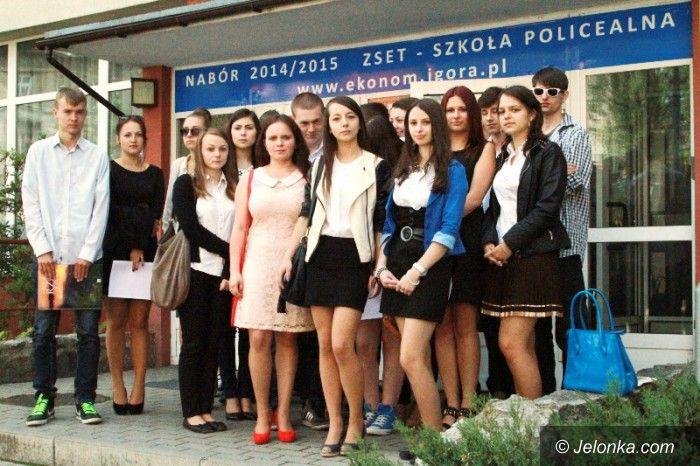 Jelenia Góra: Maturzyści walczą o swoją polonistkę