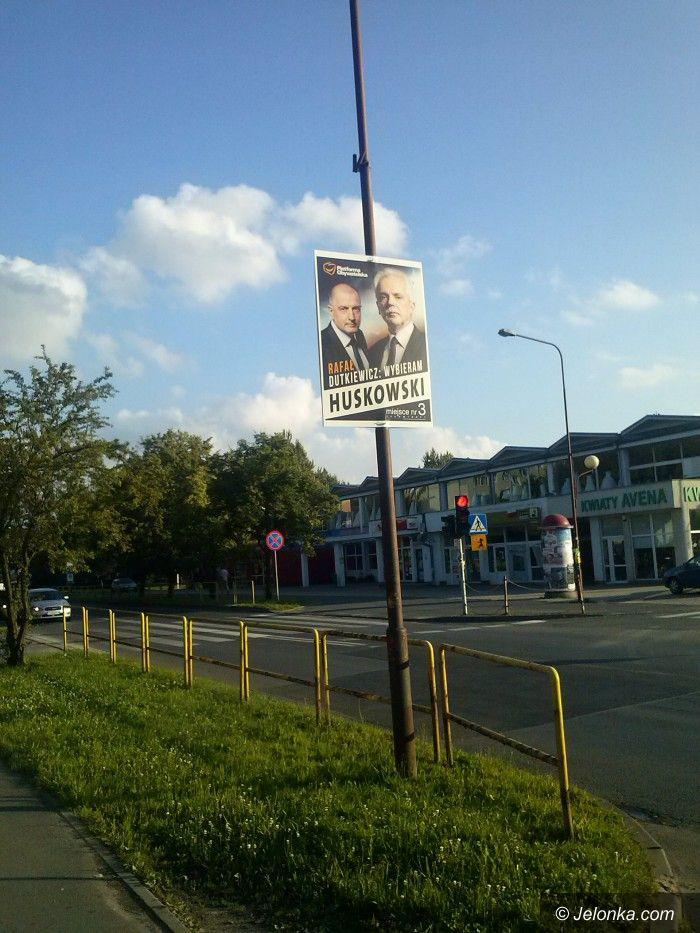 Jelenia Góra: Ile jeszcze ten plakat będzie wisiał?