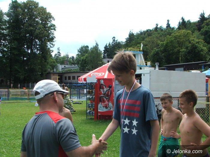 Jelenia Góra: Sportowa rywalizacja w turnieju ping–ponga