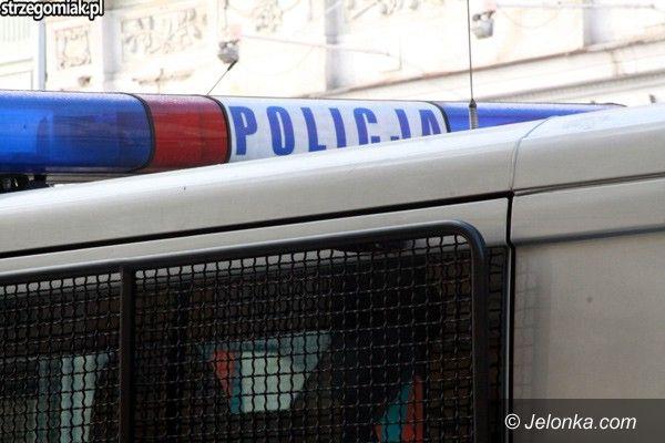 Jelenia Góra/Region: Zderzenie trzech aut na krajowej trójce