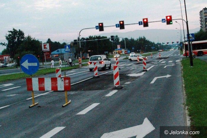 Jelenia Góra: Bieżące remonty ulic trwają. Są utrudnienia