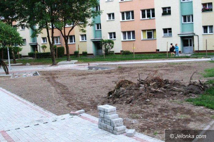 Jelenia Góra: Powstaje plac rekreacyjny przy Karłowicza