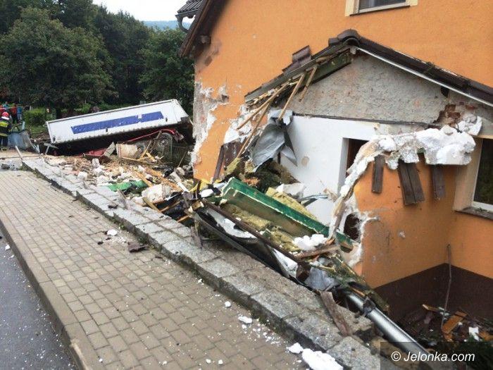 Region: Tir uderzył w dom w Wojcieszowie