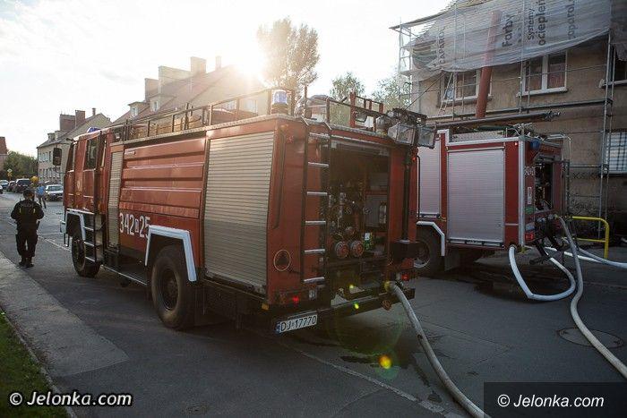 Jelenia Góra: Pożar w budynku mieszkalnym przy Morcinka