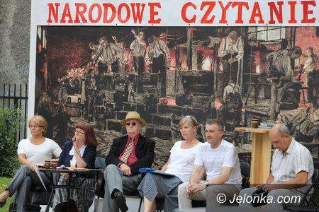 """Piechowice: Wspólne czytanie """"Trylogii"""" Sienkiewicza w Piechowicach"""