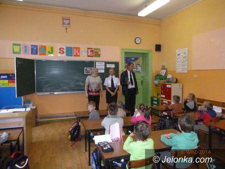 Region: Jeleniogórscy policjanci odwiedzają szkoły