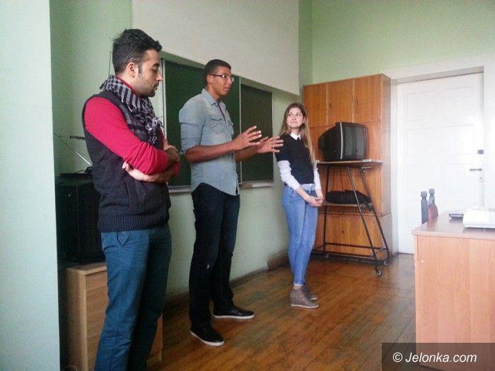 Jelenia Góra: Wizyta studentów z trzech kontynentów w LO