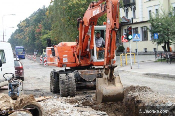 Jelenia Góra: Trwa budowa centrów przesiadkowych