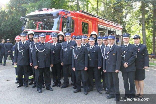 Janowice Wielkie: Nowy wóz strażacki dla OSP w Janowicach Wielkich