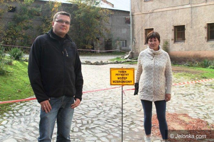 Jelenia Góra: Miasto sprzedało działki budowlane… bez drogi