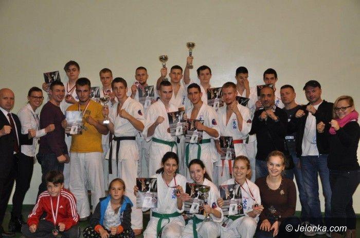 Jasień: Sukces zawodników Jeleniogórskiego Klubu Oyama Karate