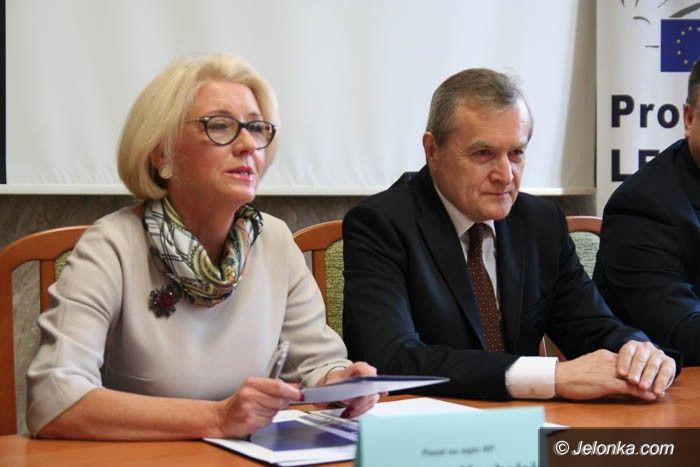 Jelenia Góra: Prof. Gliński: społeczeństwo obywatelskie to aktywność zwykłych ludzi