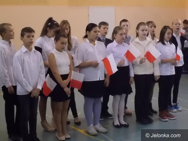 """Jelenia Góra: W """"Siódemce"""" świętowali Dzień Niepodległości"""