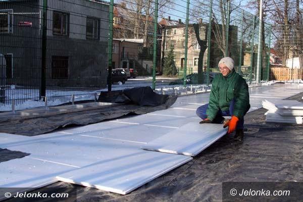 Jelenia Góra: Przygotowania do uruchomienia miejskich lodowisk