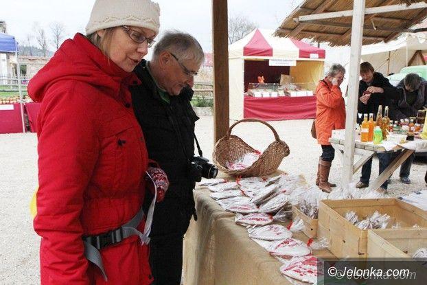 Region: Pierniki i inne pyszności na jarmarku w Łomnicy