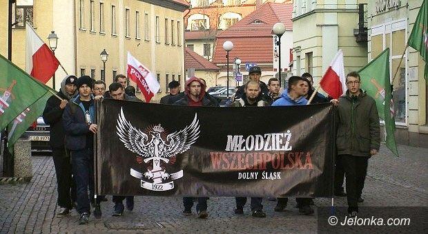Jelenia Góra: Młodzież Wszechpolska protestowała w Jeleniej Górze