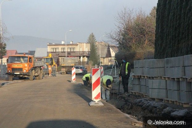 Jelenia Góra: Trwa remont na ul. Widok, są utrudnienia w ruchu