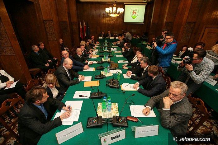 Jelenia Góra: Radni zaprzysiężeni, sesja przerwana
