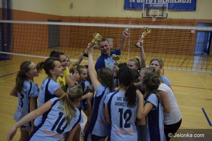 Twardogóra: Kolejny sukces janowickich siatkarek UKS Sokoliki