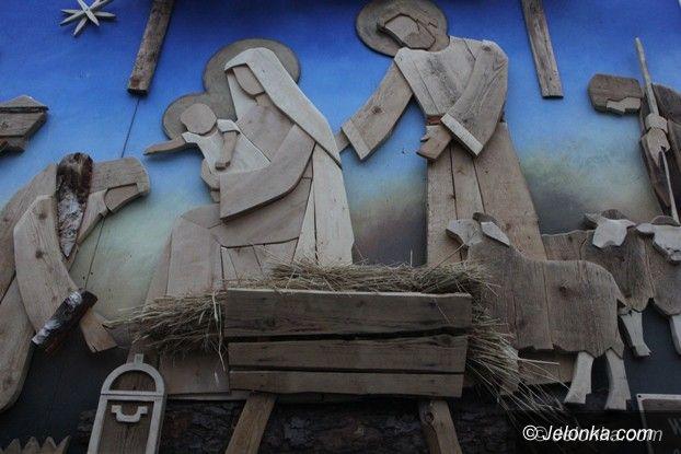 Jelenia Góra: Niepowtarzalna szopka przy JCK