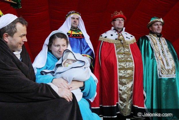 Jelenia Góra: Trzej Królowie dotarli do jeleniogórskiego Betlejem