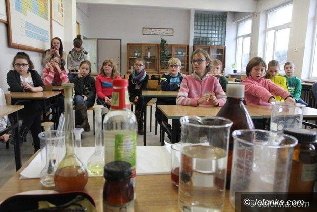 Jelenia Góra: Naukowy zawrót głowy w Gimnazjum nr 3