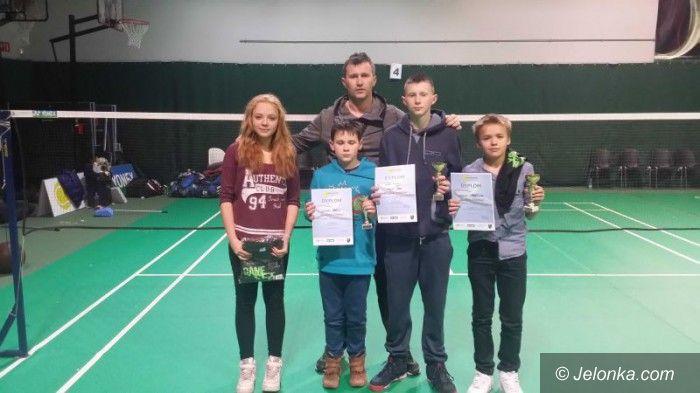 Sobótka: Sukcesy jeleniogórskich badmintonistów