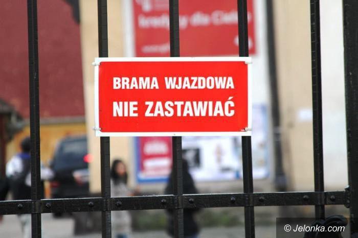 Jelenia Góra: Czytelnik oburzony zamknięciem parku dla psów