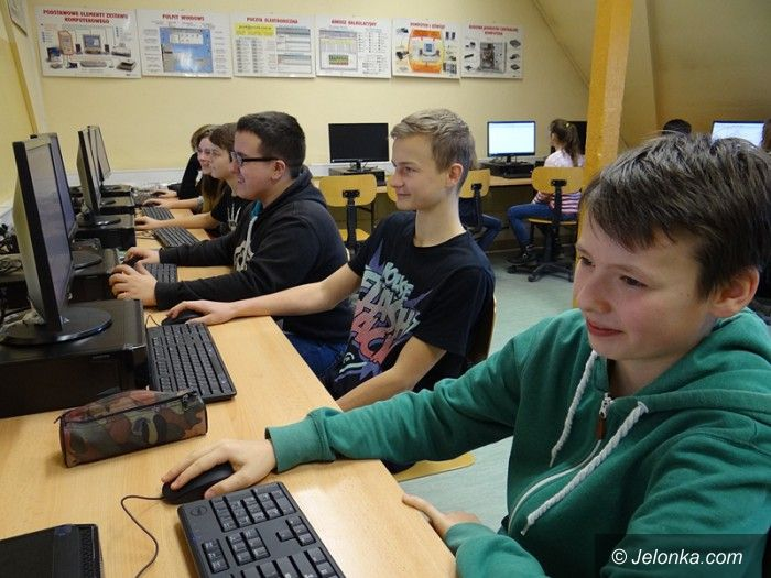 Jelenia Góra: Nowe komputery trafiły do szkół