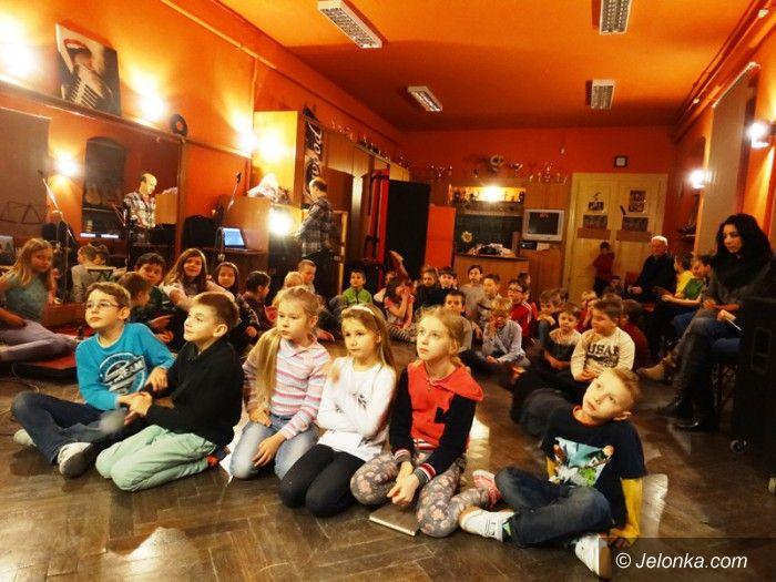 Jelenia Góra: Edukacyjnie i sportowo w drugim tygodniu zimowiska w MDK