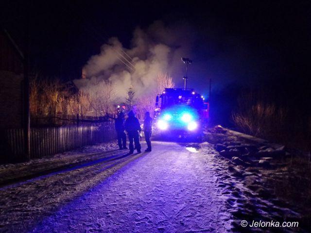 Jelenia Góra: Pożar w Podgórzynie. Sześć osób straciło dach nad głową