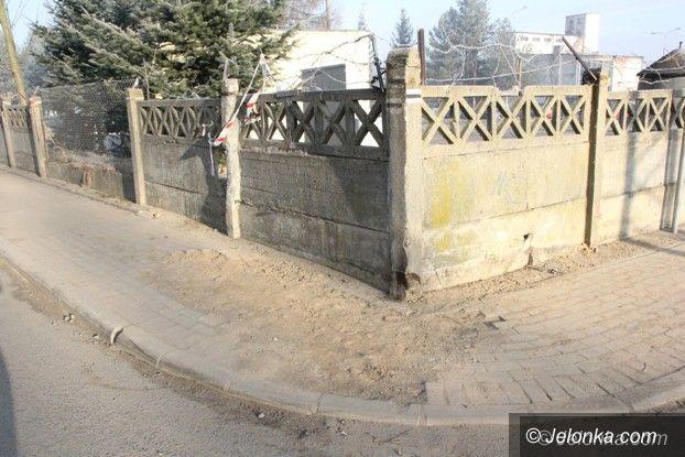 Jelenia Góra: Chodnik na Kruszwickiej znowu do remontu (aktualizacja)