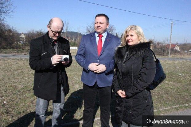 Powiat: Będą razem remontować drogę w Łomnicy