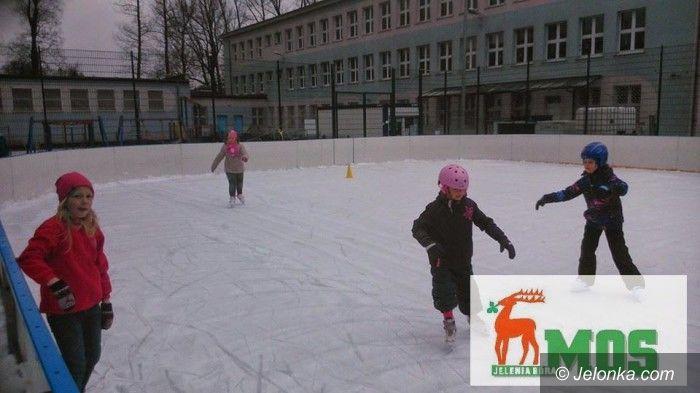 """Jelenia Góra: """"Łyżwiarska sobota"""" na zakończenie zimy"""