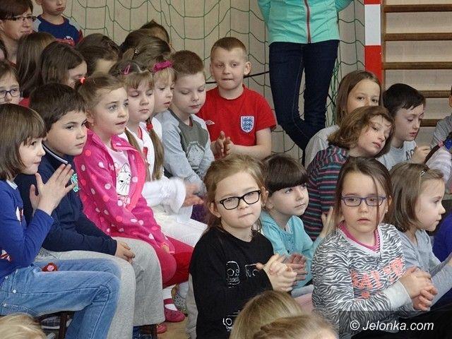 Jelenia Góra: Piękny jubileusz szkoły w Sobieszowie